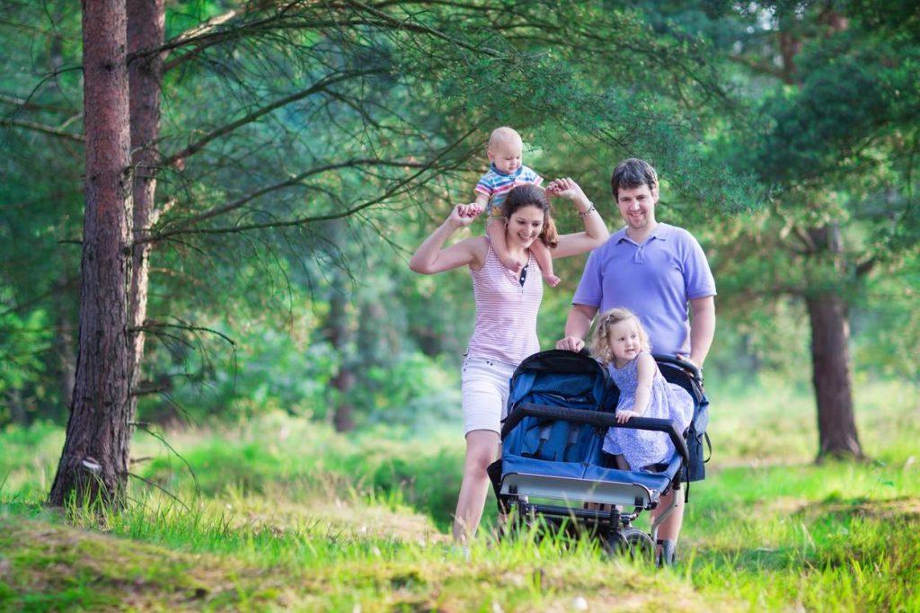 Doppel-Kinderwagen für Baby und Kleinkind: Der beste Kinderwagen für 2 Kinder unterschiedlichen Alters