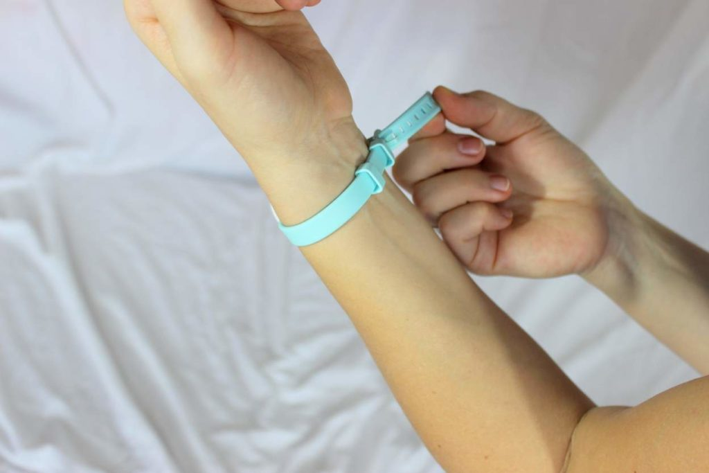 Was misst das Ava Armband am Handgelenk
