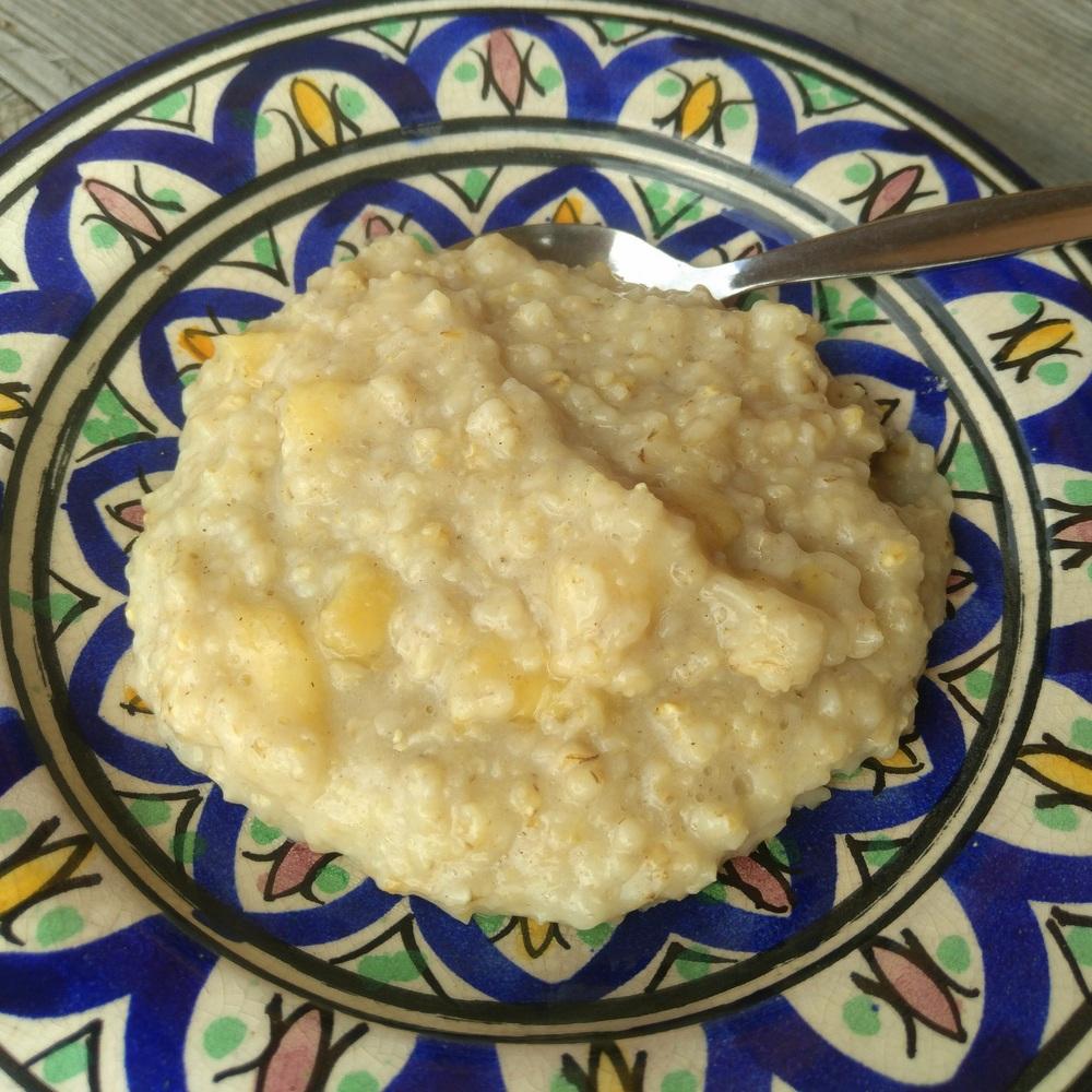 Selbstgemachter Bananen-Porridge als Baby-Frühstuck