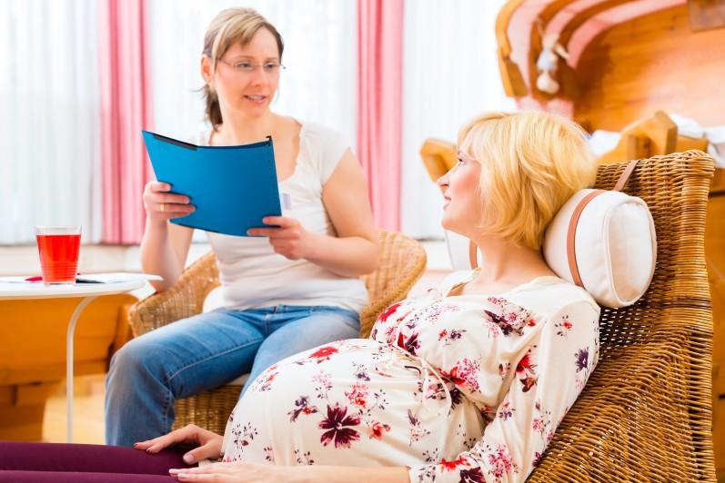 Persönliches Erstgespräch mit Hebamme nach erfolgreicher Hebammensuche
