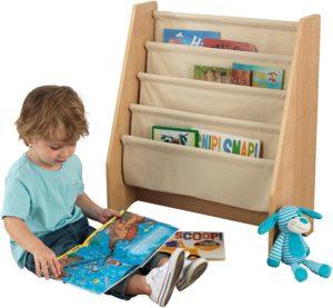 Montessori Buecherregal